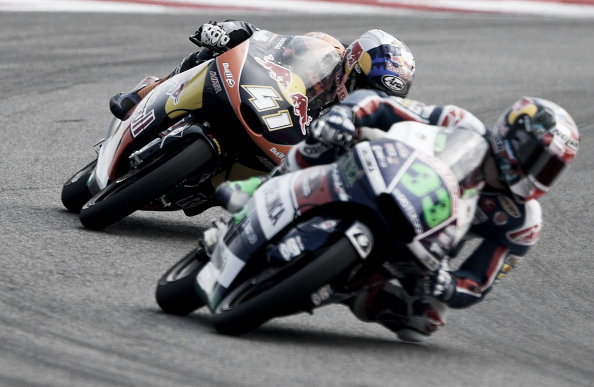 It was an intense battle for first and second between Binder and Bastianini | Photo: Mirco Lazzari gp/Getty Images