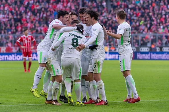 Alviverdes comemoram o gol que abriu o placar feito por Gondorf (TF-Images/Getty Images)