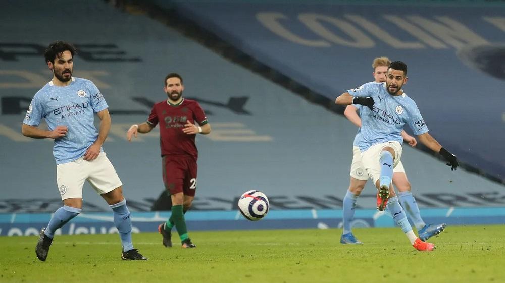 Mahrez colocando el 3-1 / FOTO: Premier League