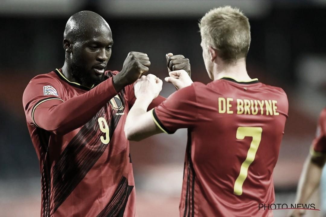 Lukaku y De Bruyne, dos de las estrellas de la selección de Bélgica.  Foto: @belgianreddevils