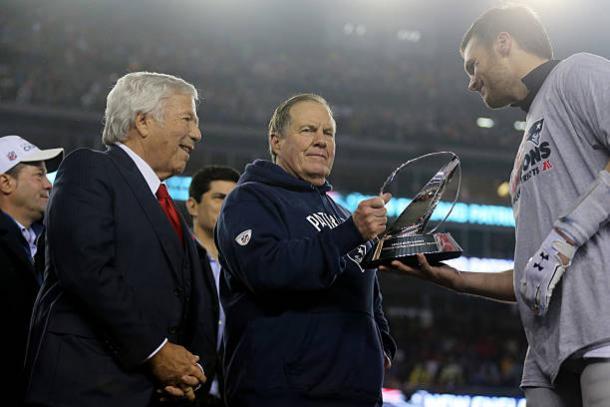 Kraft, Belichick e Brady: trio pode estar em sua última temporada lado a lado (Foto: Maddie Meyer/Getty Images)