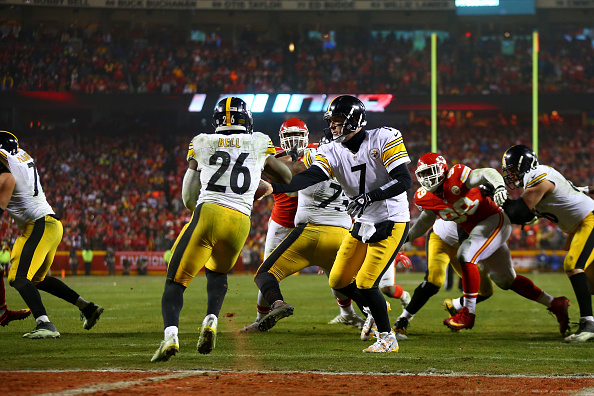 Can Le'Veon Bell run through the Patriots defense? | Photo: Getty Images