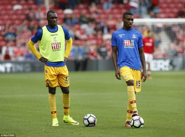 Los hermanos Benteke justos antes del partido ante el Middlesbrough |Foto: Reuters