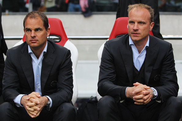 Dennis Bergkamp has been Frank de Boer's assistant at Ajax for four years, but is not ready to move on yet. (Photo: Football-Oranje)