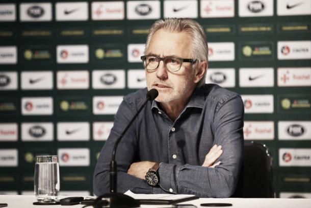 van Markwijk em entrevista coletiva anunciando os convocados (Fonte: Getty Images)