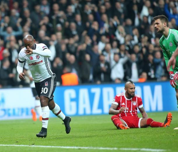 Vagner Love esulta per il gol della bandiera | TWITTER @Besiktas