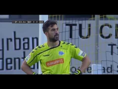Pacheco, incrédulo al ver el balón en la red, tras el empate. Fuente: youtube.com