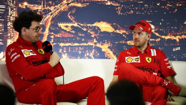 Binotto y Vettel en Singapur. Foto: F1