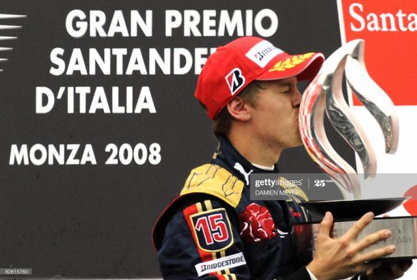 Sebastian Vettel en el podio tras la primera victoria de su carrera / Foto: Getty Images