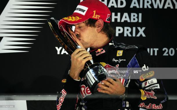 Sebastian Vettel en el podio tras conseguir su primer mundial / Foto: Getty Images