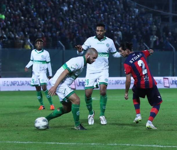 Biraschi e Stoian, due dei protagonisti del match di oggi, nella gara d'andata - Foto AvellinoCalcio.it
