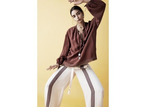 Blusa cordón abalorios // Foto: página web Zara