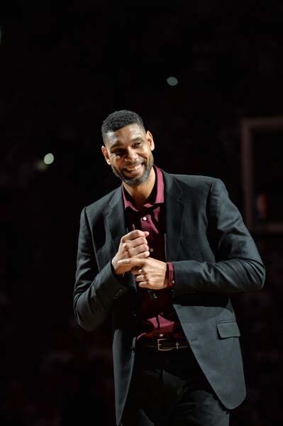 Tim Duncan en el acto de homenaje por su retirada. Fuente: NBA.com