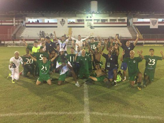 Jogadores comemoram classificação (Foto: Divulgação / Boavista)