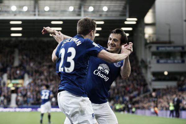 Baines y Coleman celebran un gol conseguido en casa. Foto: VAVEL