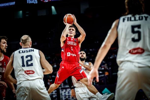 Bogdanovic sfida la difesa dell'Italia in arresto e tiro - Foto FIBA