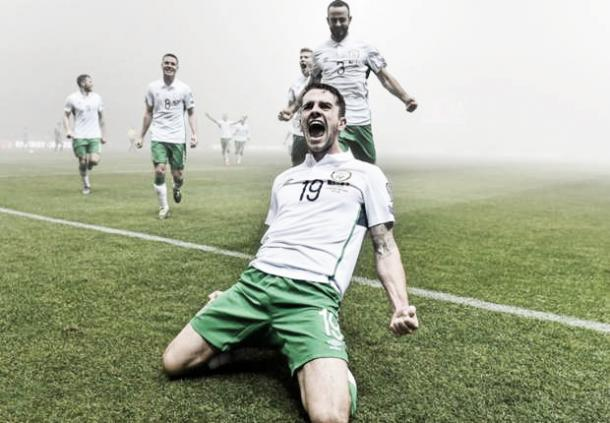 Robbie Brady celebrates after putting Ireland ahead against Bosnia & Herzegovina. (Photo: Goal.com)