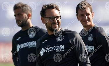 José Bordalás y parte de su equipo técnico. Fuente: Getafe C.F.