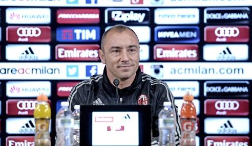 Cristian Brocchi in conferenza, acmilan.com