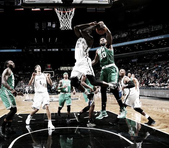 Tapón de Amir Johnson en el partido de ayer | NBA