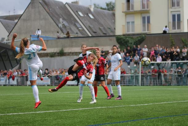 Marine Pervier scored a great winner to keep her team in the division | Source: eaguingamp.com