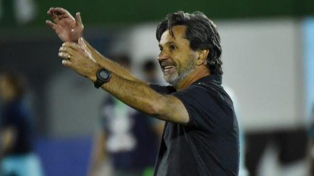 A morte de Caio Júnior foi lamentada por Mourinho (Foto: Nelson Almeida/Getty Images)