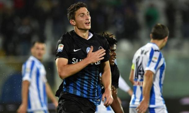 Il difensore festeggia il gol-vittoria a Pescara.   Fonte immagine: calciomercato.com