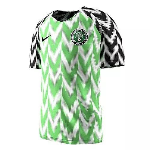Furor por la nueva camiseta de Nigeria.