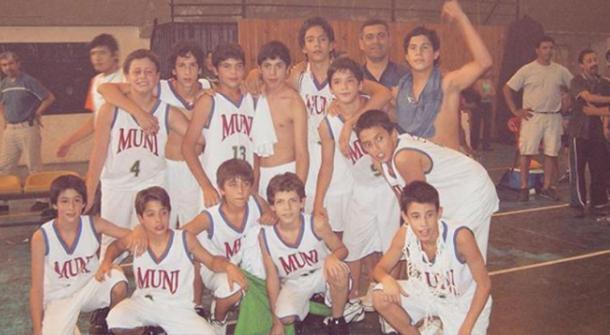 Facundo Campazzo, a la derecha, con Municipal de Córdoba | Foto: mundod.lavoz.com.ar