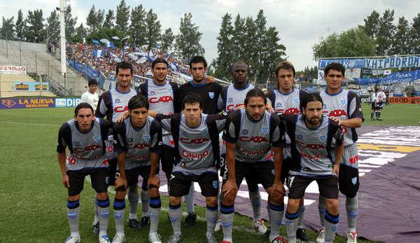 Plantel que se consagró campeón. Foto: prensa Godoy Cruz.