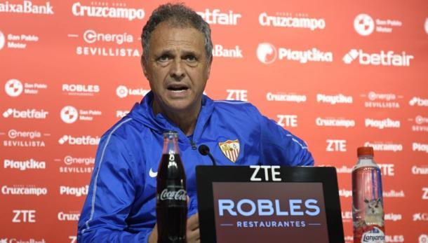 Joaquín Caparrós en rueda de prensa | Foto: Sevilla FC