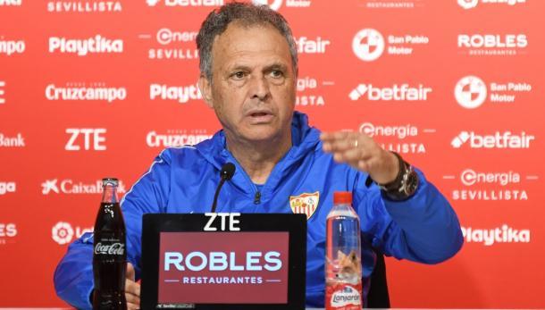 Caparrós en rueda de prensa   Foto: Sevilla FC