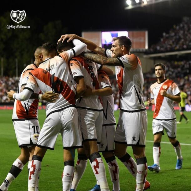 Jugadores celebrando un gol. Fotografía: Rayo Vallecano S.A.D