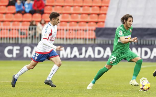 Óscar persiguiendo a un rival. Fotografía: La Liga