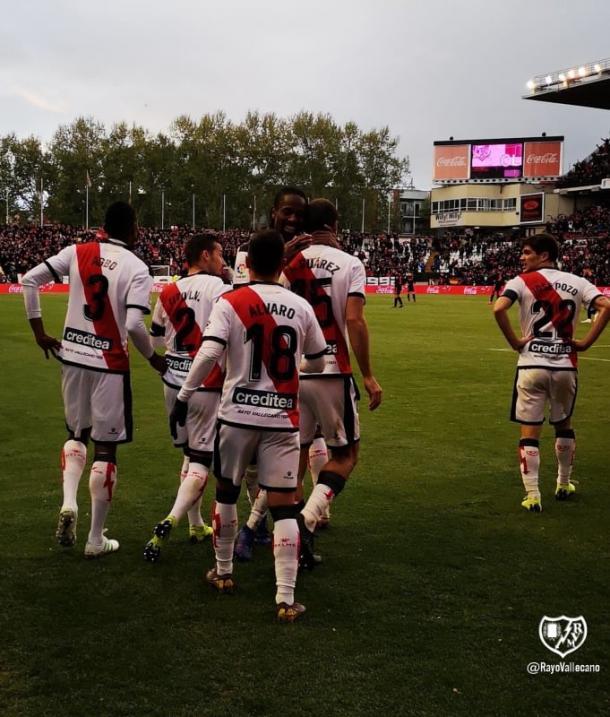 Celebrando el gol de MArio Suárez. Fotografía: Rayo Vallecano S.A.D