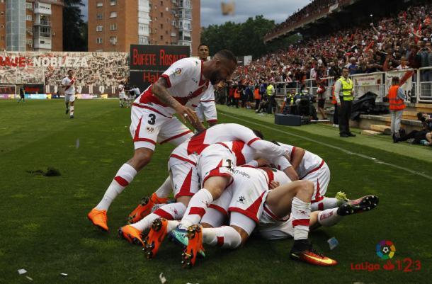 Jugadores celebrando el gol de Álex Moreno ante el Lugo. Fotografía: La Liga