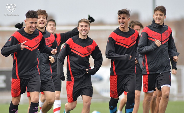 Jugadores del Rayo Vallecano B durante un entrenamiento | Fotografía: Rayo Vallecano S.A.D.