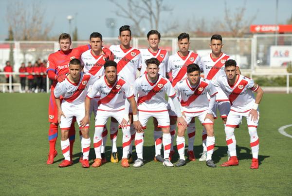 Jugadores del Juvenil A antes del partido | Fotografía: Rayo Vallecano S.A.D.