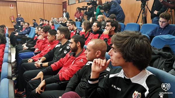 Integrantes de las categorías del Rayo Vallecano | Fotografía: Rayo Vallecano S.A.D.