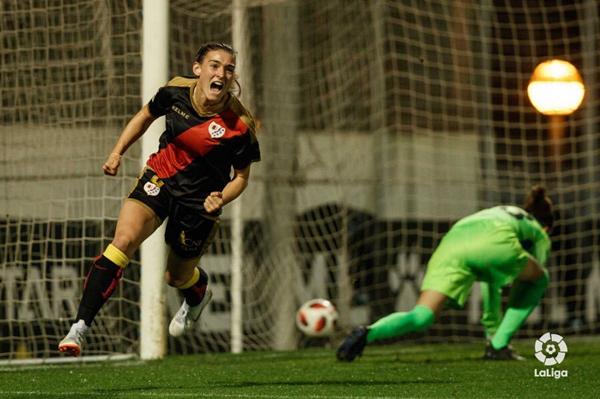 Ángeles del Álamo celebrando un gol | Fotografía: La Liga