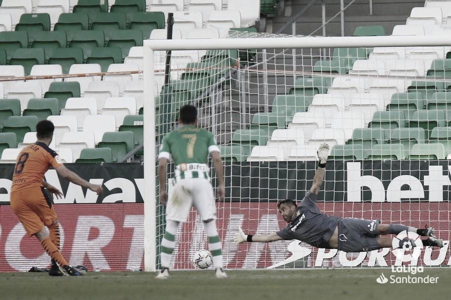 Carlos Soler ponía el 2-2 tras un buen penalti bien ejecutado./ Foto: LaLiga Santander