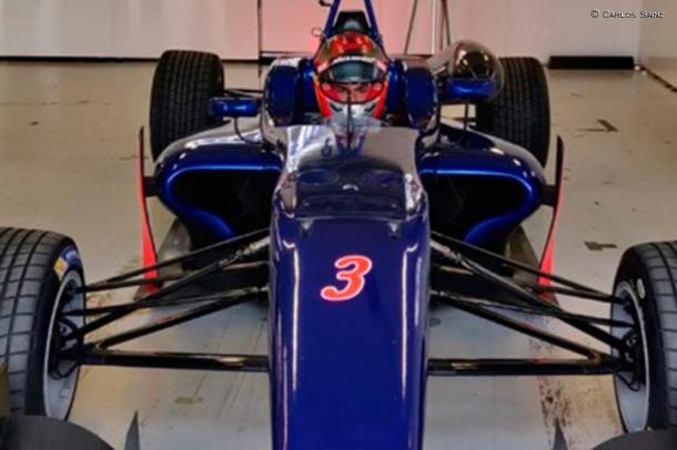 Sainz con el F3 en Silverstone (Fuente: https://soymotor.com/noticias/sainz-sigue-preparacion-hoy-test-f3-silverstone-977285)