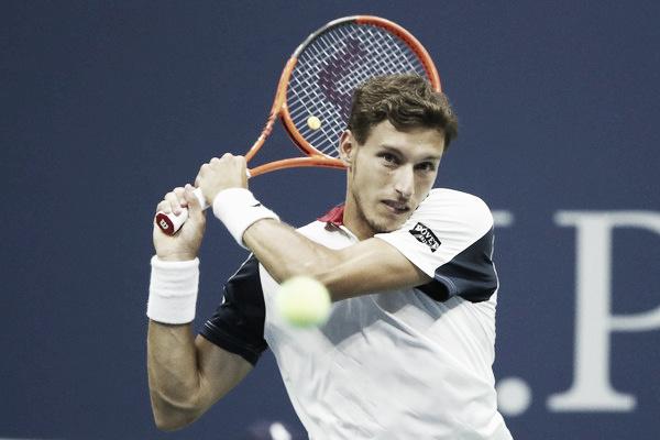 Pablo Carreño golpea una bola durante un partido en el US Open. Foto: zimbio.com