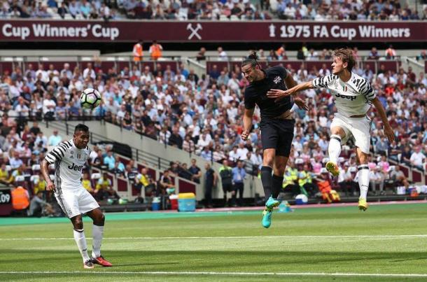 Carroll rises to grab his second goal. | Source: West Ham United