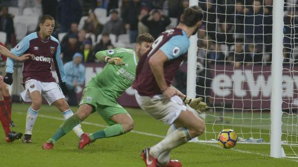 Carroll dio la victoria a su equipo en el último minuto | Fotografía: Premier League