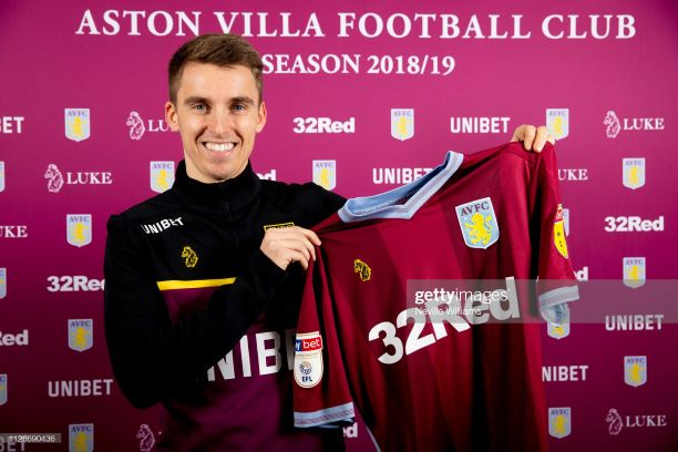 BIRMINGHAM, ENGLAND - FEBRUARY 01: New signing Tom Carroll of Aston Villa poses for a picture at Bodymoor Heath training ground on February 01, 2019 in Birmingham, England. (Photo by Neville Williams/Aston Villa FC via Getty Images)