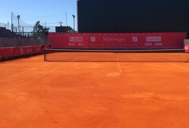 Court Cascais receiving treatment. (Pedro Cunha/VAVEL)