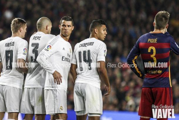 Barrera del Madrid en el clásico I Foto: Alex Gallardo (VAVEL)