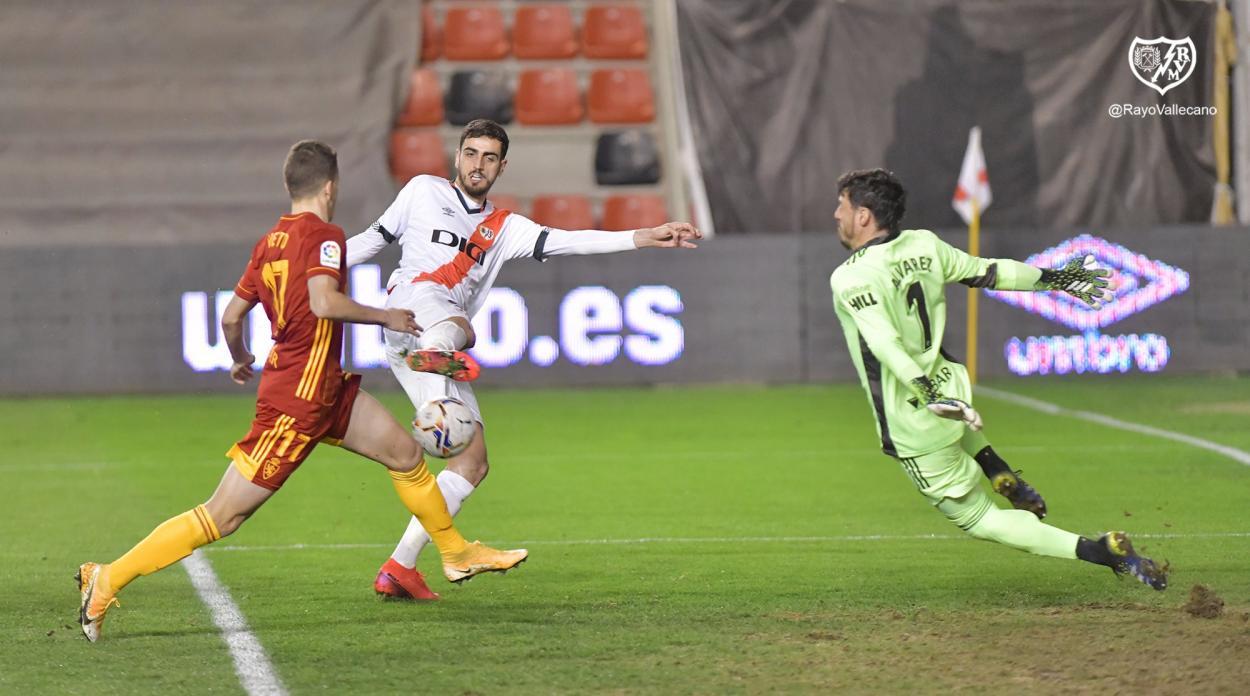 Alejandro Catena anotando el 2-2. | Fuente: @RayoVallecano