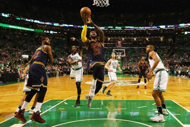 Cleveland Cavaliers forward LeBron James attacks the rim. Photo: Getty Images / Elsa